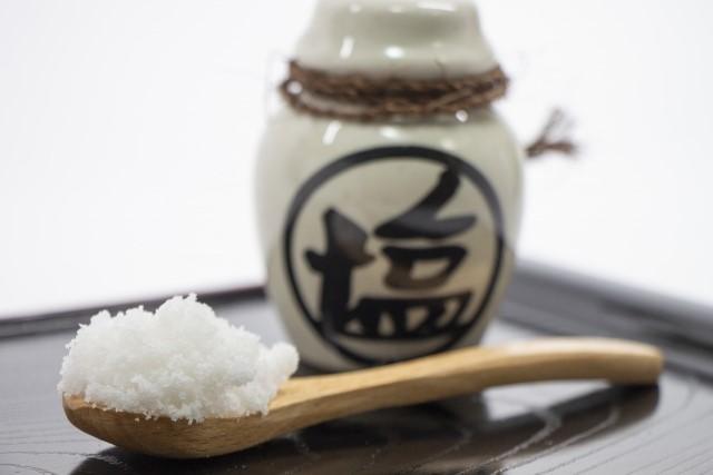塩もみで水分の入れ替わりを促す