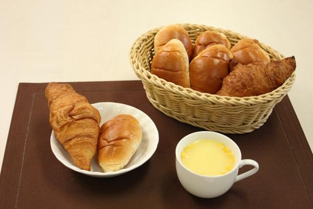 自宅でパンからの糖質を減らすためには個数や厚みが大事